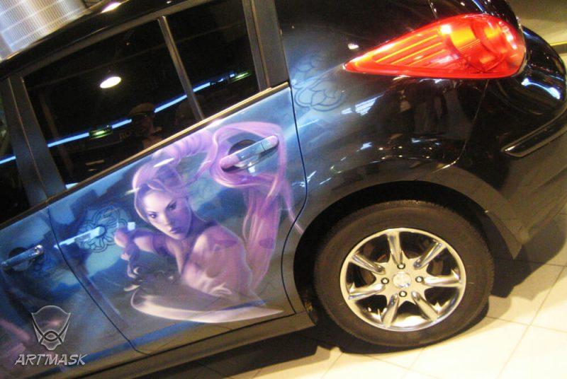 Аэрография «Фэнтези» на Nissan Tiida