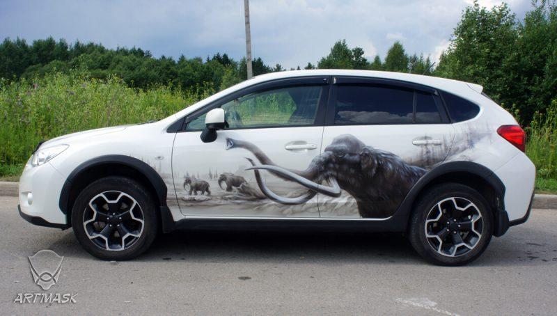 Аэрография «Мамонты» на Subaru XV