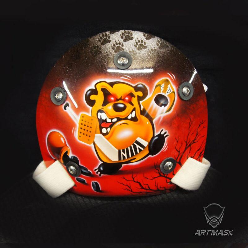 "Аэрография ""Bear's Spirit"" на вратарском шлеме"