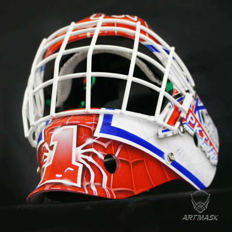 "Аэрография ""Spider-Man"" на вратарском шлеме"