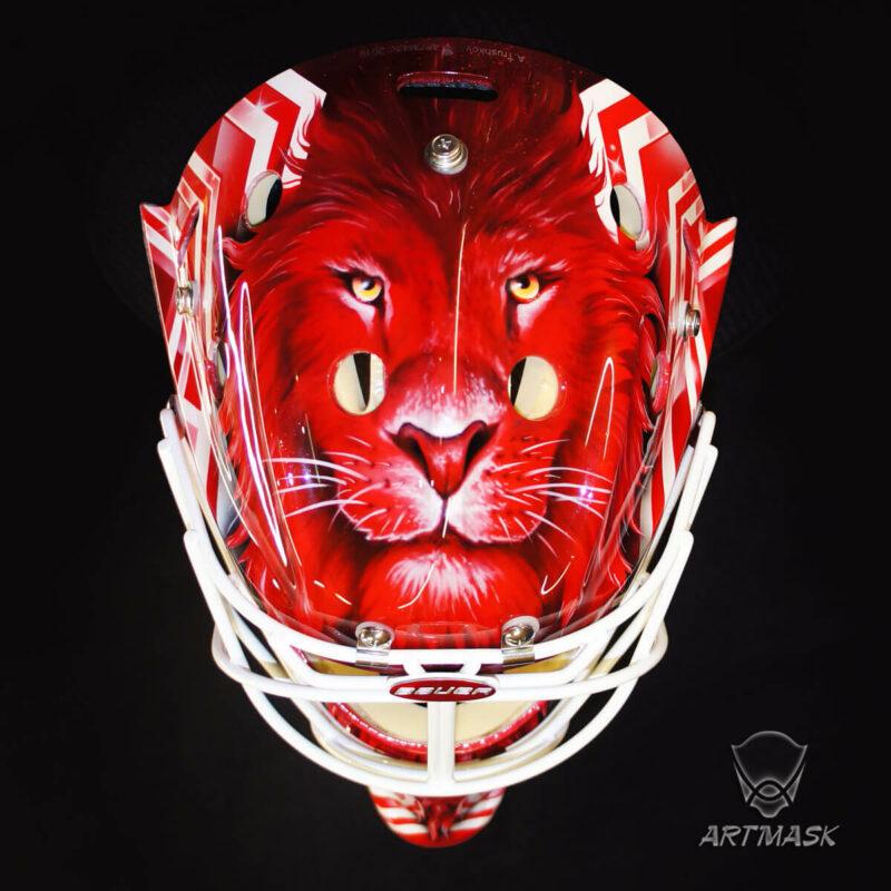 "Аэрография ""Red White Lion"" на вратарском шлеме"
