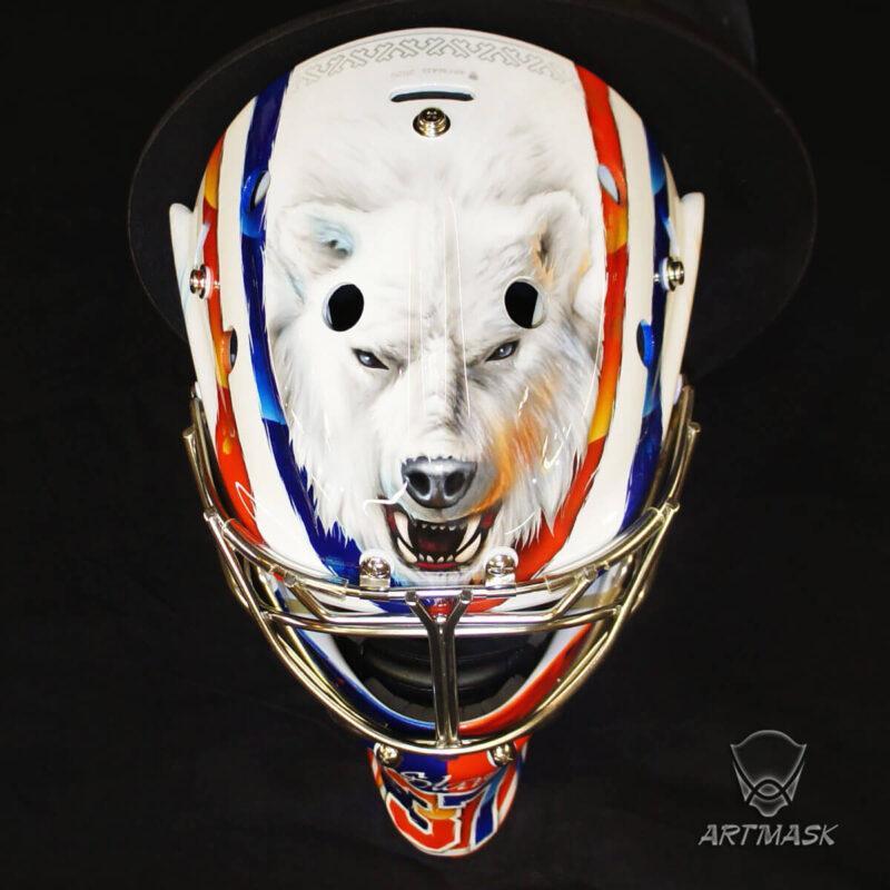 "Аэрография ""Bear Track"" на вратарском шлеме"