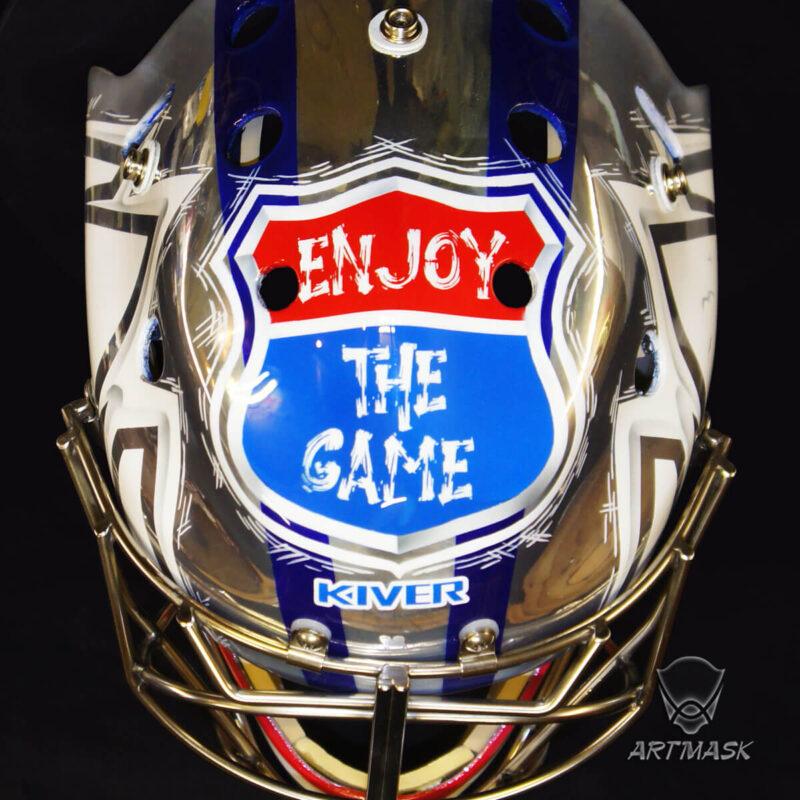 "Аэрография ""Enjoy the Game"" на вратарском шлеме"